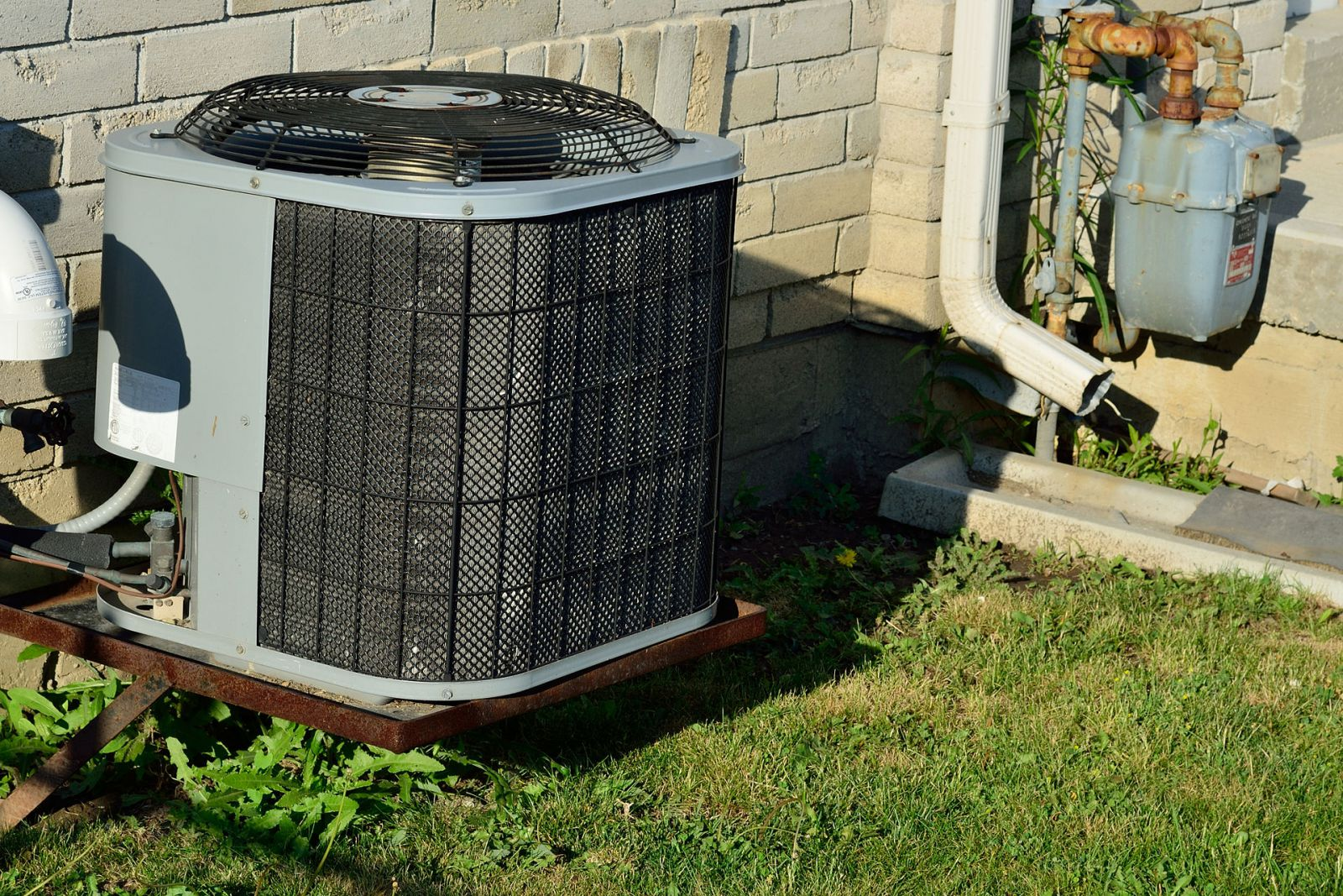 When to Replace or Repair Your Air Conditioning System